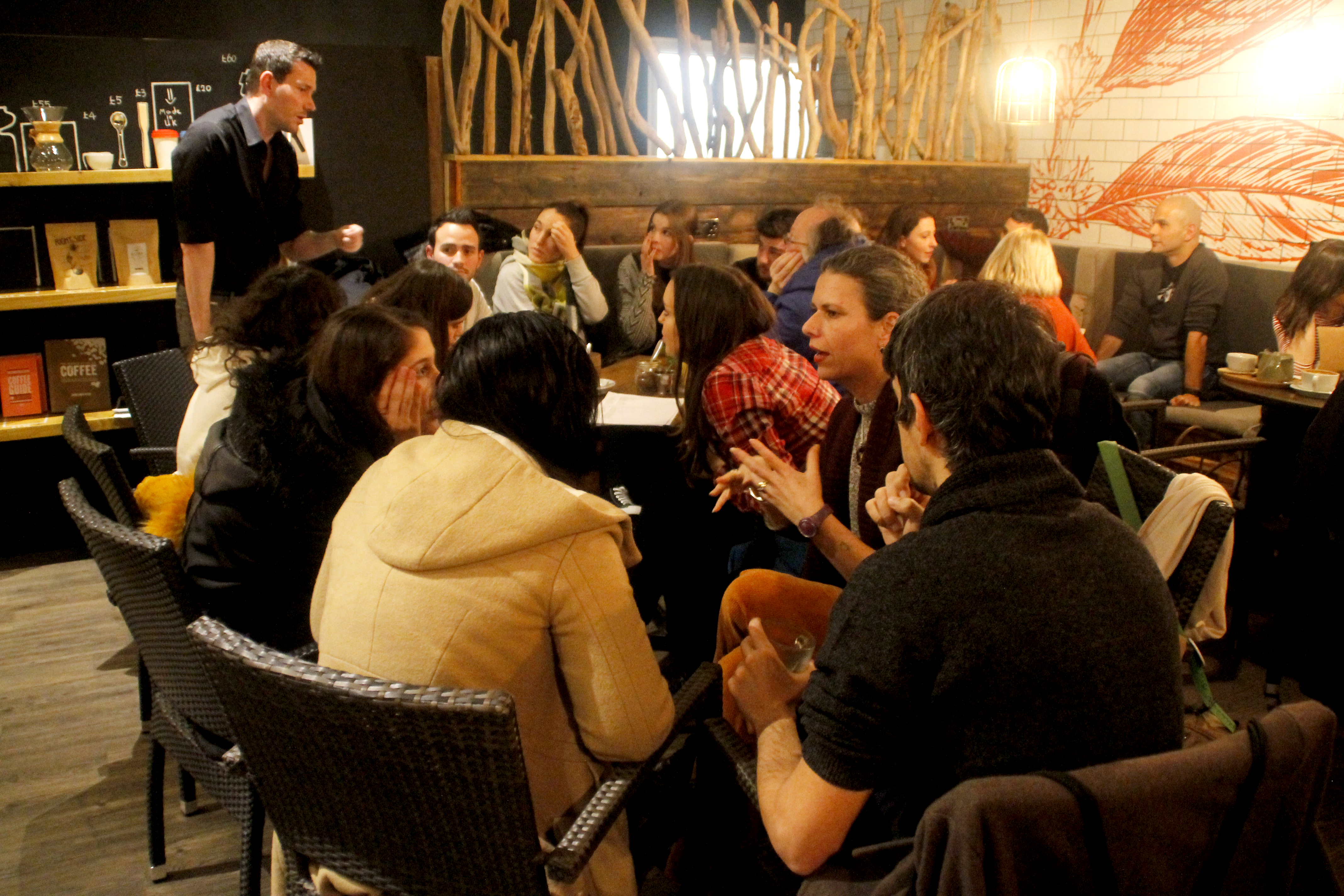 Language conversation classes in bars and cafes