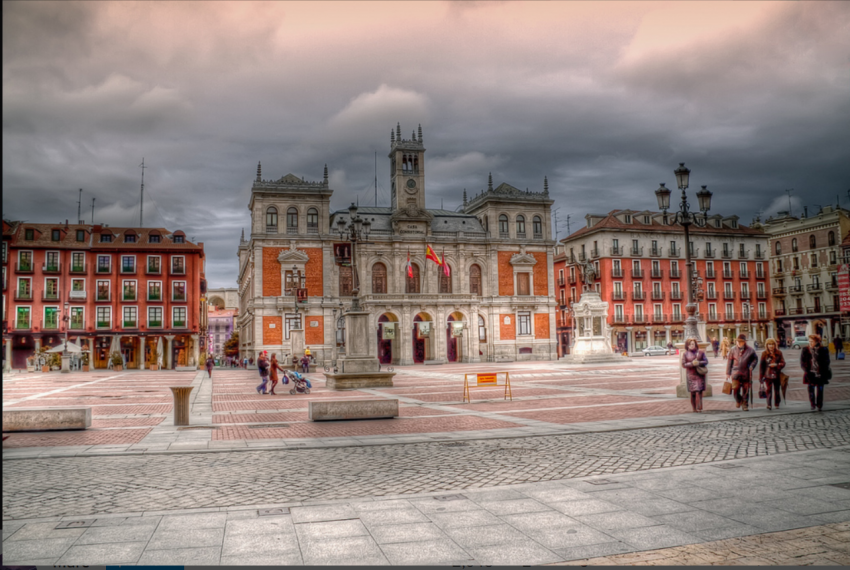 Visit Plaza Mayor in Valladolid